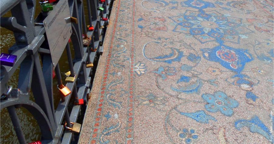 """""""Orientteppich"""" auf der Wilhelminenbrücke"""