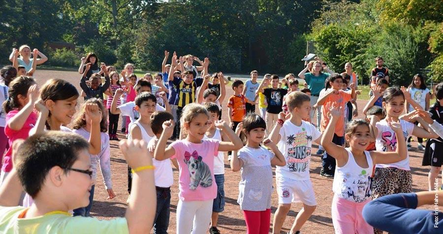 Schüler der Stadtteilschule Wilhelmsburg laufen für einen schöneren Schulhof
