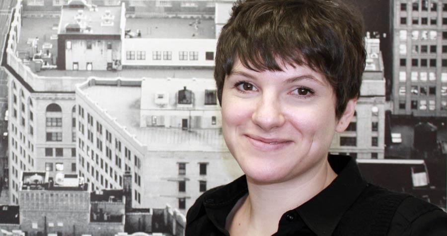 Bücher sind Schätze: Programmleiterin Verena Behr im Gespräch
