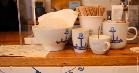 Manufaktur-Markt: Ahoi Marie – Speisen in der Neustadt auf Porzellan aus Bahrenfeld
