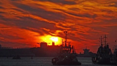 Mein Lieblingsort: HADAG Fähren beim Sonnenuntergang