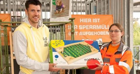 Fabian Boll hilft – Spielzeugfür die Ärmsten