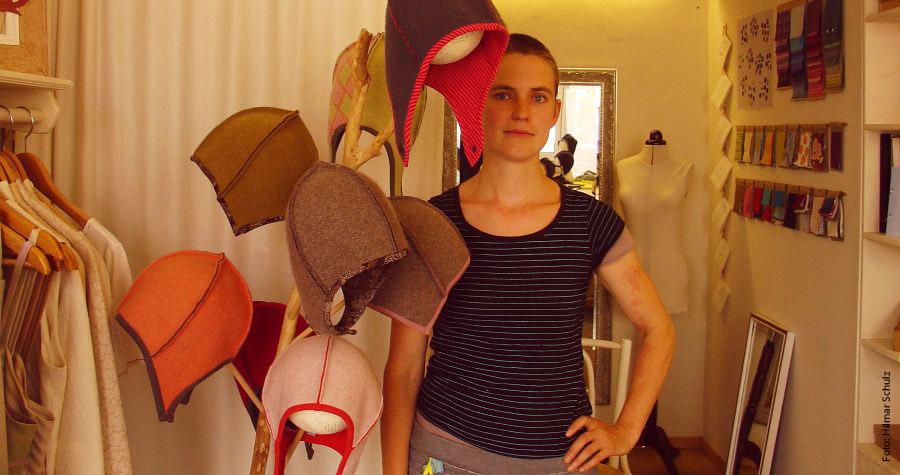 """Upcycling-Schneiderin Rachel Kopp: """"Es müssen ausschließlich natürliche Stoffe sein"""""""