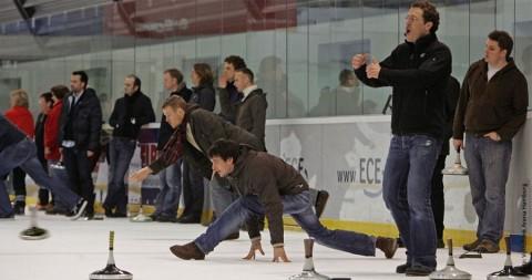 Eisstockschießen: Gerne auf dem Glatteis
