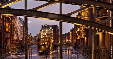 Fotokalender: Poggenmühlenbrücke mit Wasserschloss
