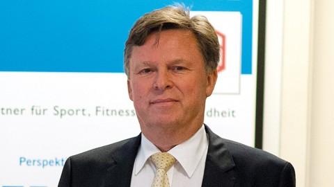 Betriebssportchef Bernd Meyer: Immer in Aktion