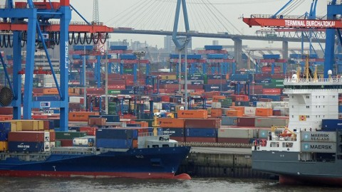Giganten auf Tour: Zu Besuch im Herzen des Hafens