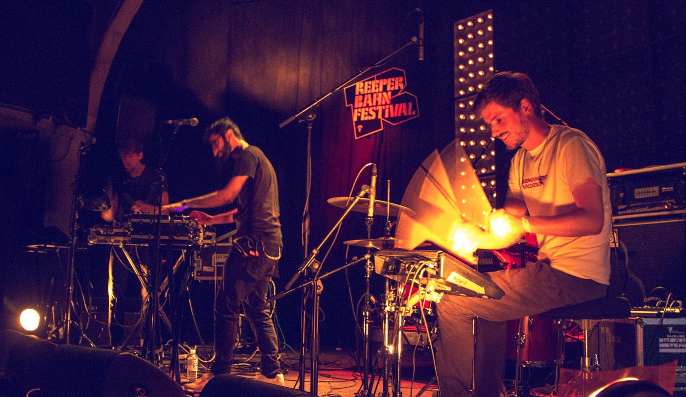 Die Electro-Pop Musiker von Times im Mojo Club.