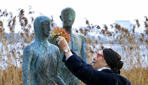 Video: Alster-Skulpturen geschmückt
