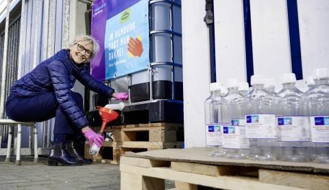 PATEN statt WARTEN: Kühne spendet Desinfektionsmittel