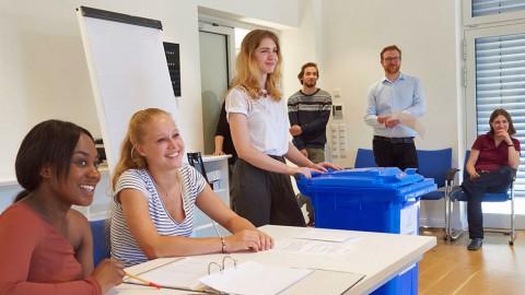 Erstwahlhelfer: eine Initiative von Haus Rissen